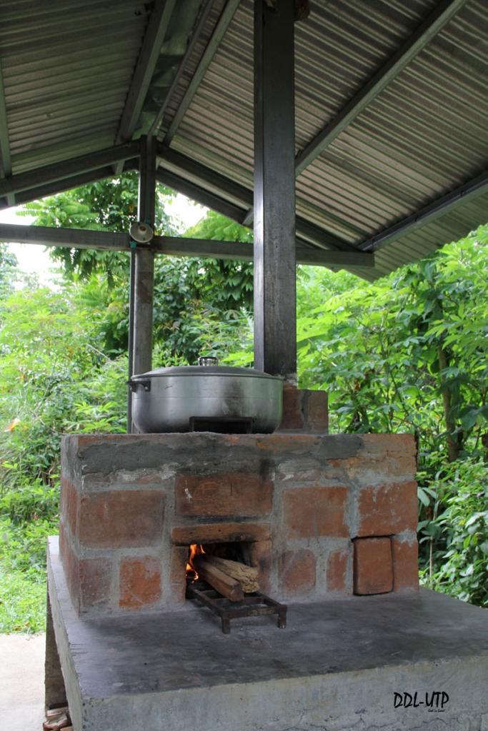 Estufas ecol gicas en la utp de bocas del toro for Fogones rusticos en ladrillo