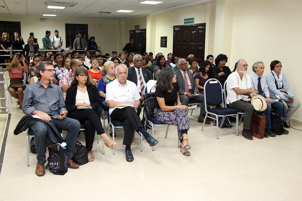 En el Congreso participaron escritores y críticos nacionales e internacionales.