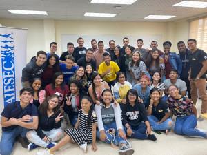 Jóvenes integrantes AIESEC-UTP
