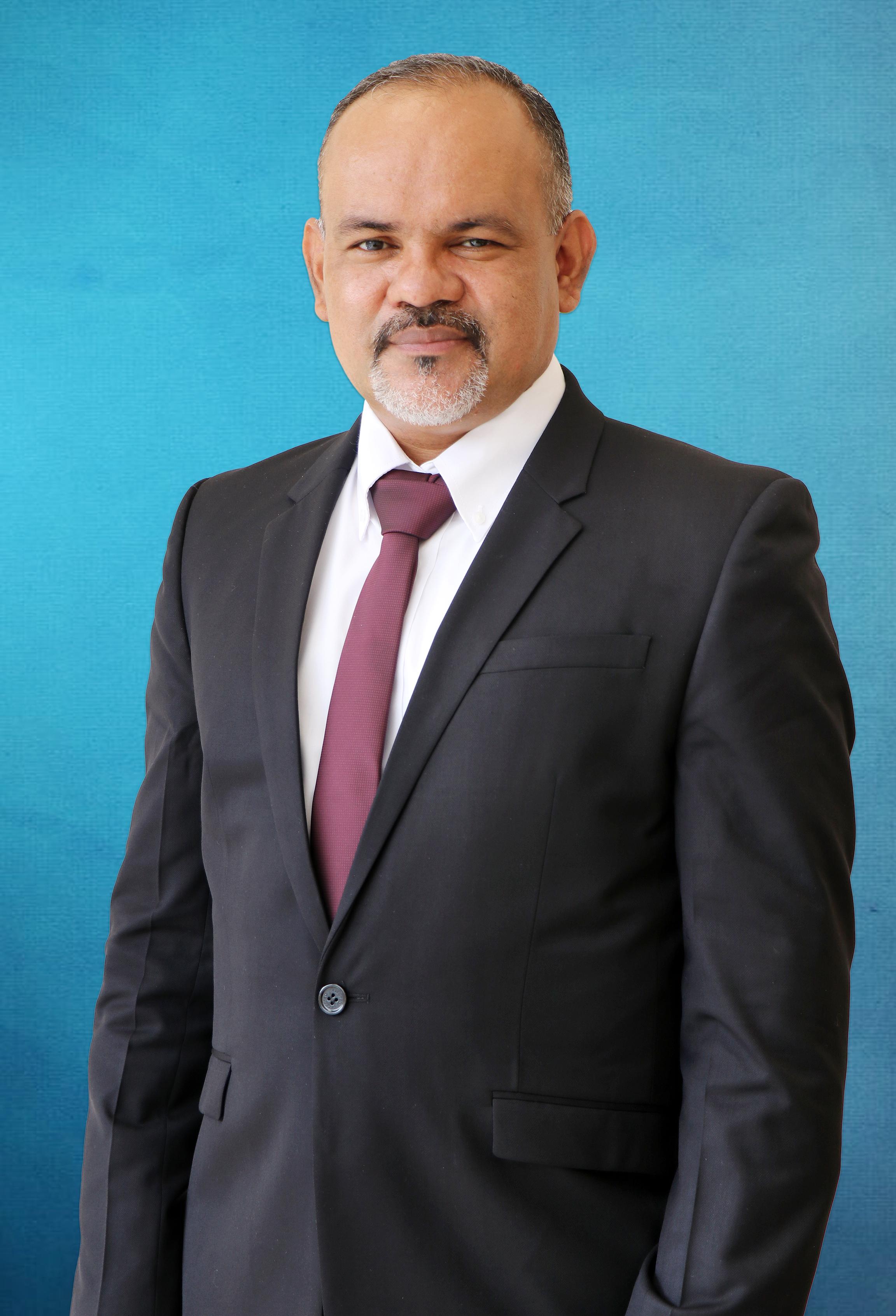 Magíster Estanislao Araúz Mela