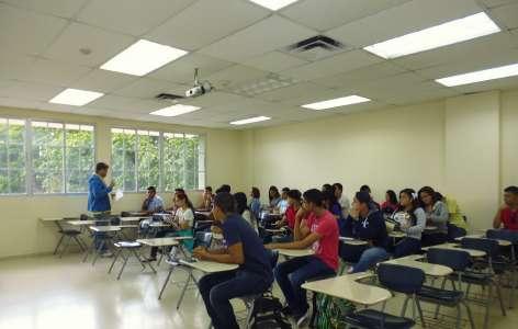 Seminario para estudiantes de primer ingreso