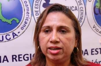 La Licda. Juana Aparicio, de la Dirección de Relaciones Internacionales UTP.