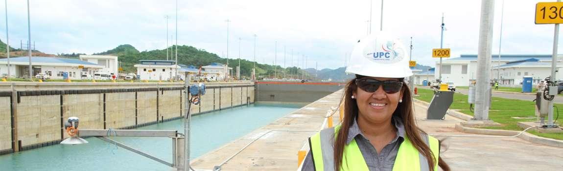 Ing. Julissa Alaín, Inspectora  de Control de Calidad, en el área del Pacífico.