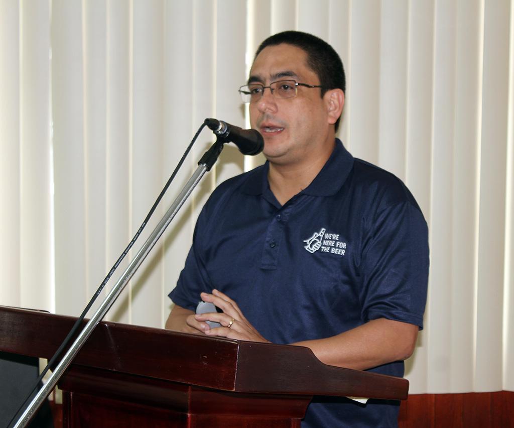 Ing. Luis Negrón, Cervecería Nacional, expositor del evento.