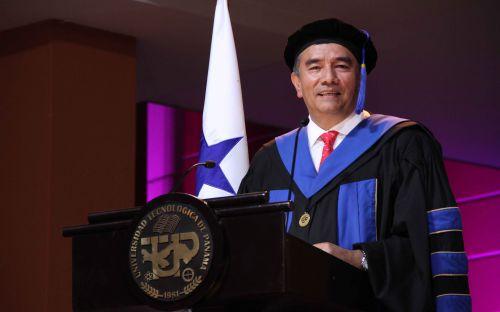 Segunda Ceremonia de Graduación de la UTP, Promoción 2015.