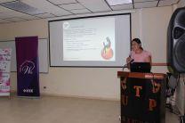 Licenciada Eny Serrano, en su presentación ante los asistentes.