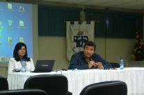 El Doctor Oscar Ramirez junto a la Directora del Centro.