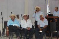 Poetas de la Región participando en el Conversatorio sobre la Décima.