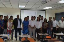 Docentes, expositores y estudiantes presentes en la III Jornada de Investigación