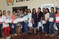 Estudiantes seleccionados en Azuero, reciben reconocimiento.