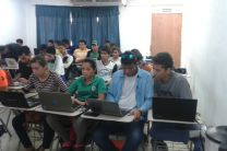 Estudiantes en taller de programación con CUDA.