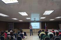 """Licenciado Sebastián Mendoza, de la Fundación Ideas Maestra cuyo tema central fue """"Emprendimiento como Proyecto de Vida""""."""