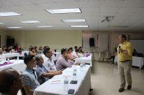 Doctor Nick Kachiroubas en Jornada del Taller con los docentes.