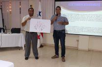 Taller sobre la Misión y Visión de la UTP expuesto por docentes.