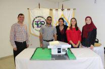 Estudiantes de Logística y Transporte Multimodal junto a Ing. Francisco Arango.