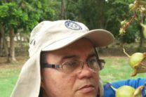Lic. Kleveer Espino, coautor del libro.