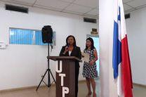 Ing. Yaneth Evelia Gutiérrez Villanueva dando su discurso de agradecimiento.