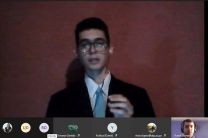 Estudiantes de la FISC, Manuel Reyes, sustenta su trabajo de grado.
