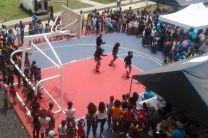 Grupo de baile Urbano quienes se presentaron como parte del programa para la Comunidad de Altos de Los Lagos