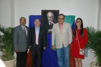 Vicerrector Académico, Canciller de la Embajada de México, Ganador del Premio, y