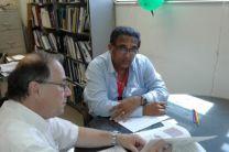 Dr. Patrick Brisset y el Ing. Johnny Cuevas de la ACP.