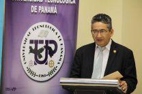 Dr.Gilberto Chang, Vicerrector de Investigación Postgrado y Extensión.