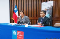 Sra. Bruna Lecossoiis y Sr. Rosamel Muñoz.