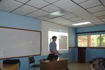 El Estudiante Laurent Tourte en la Presentación de su Investigación.