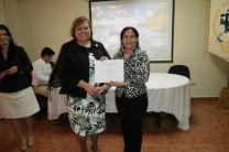 Reconocimiento por la Subdirectora Académica, Licda. María Luisa Vélez