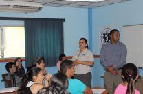 Licda. Yolanda de Batista e Ing. Secundino Villarreal presentan su investigación