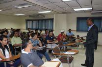 Realización de Conferencias Especializadas, por Facultad.