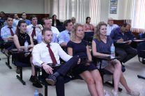 Docentes y Estudiantes de la Universidad de Delft de Holanda.