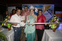 Inauguración del Stand del CITT-UTP y placa de reconocimiento por las autoridades del distrito y la reina del 19 de octubre fundación de Aguadulce.