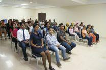Familiares y público en general que asitieron a la graduación de inglés en el CITT