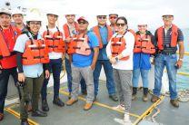 Colaboradores del CIHH y de la ACP en el área de dragado muelle #15 ACP Colón
