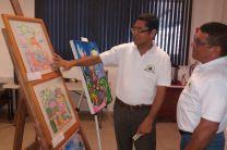 Licdo. Juan Samaniego, pintor y profesor del Centro Regional de Coclé y el Licdo. David Torres Director Nacional de Cultura de la UTP