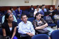 Estudiantes participan del Concurso de Ponencias.