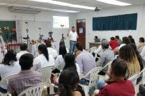 Licdo. Yeison López, Gerente de la compañía La Casa del Topógrafo dictando conferencia