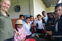 Miembros del Programa Reforestando Centroamérica, estudiantes de la FIC y administrativos del Centro Regional.