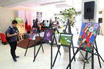 Varias obras de la pintura fueron presentadas en la feria.