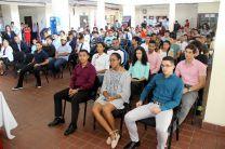 Autoridades, docentes, estudiantes y administrativos en Celebración del Día del Estudiante en Howard.