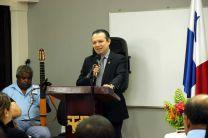 El Dr. Ramiro Vargas, Director del CEI.