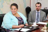 El Dr. Samuel Snow y la Dra. Marissa Baham.