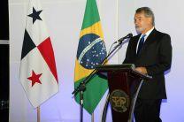 El Embajador de Brasil, S. E. Flavio Helmold Macieira.