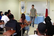 Kevin Herrera, del Artes y Oficios, habló en nombre de sus compañeros.