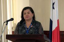 La Mgtr Iris Arjona, expone los avances de su proyecto de investigación.