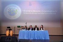 En la Mesa Principal, el Ing. Montemayor, el Ing. Flores, la Presidenta del Congreso Evelyn García y la Dra. Jessica Guevara.