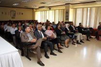 Las autoridades, directivos, docentes y estudiantes toman parte en la presentación de las películas.
