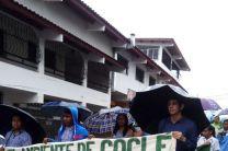 Estudiantes de Saneamiento y Ambiente en desfile en Penonomé en el día mundial del ambiente