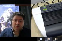 Ing. Edesio Pérez brinda instrucciones para la configuración física de la impresora braille